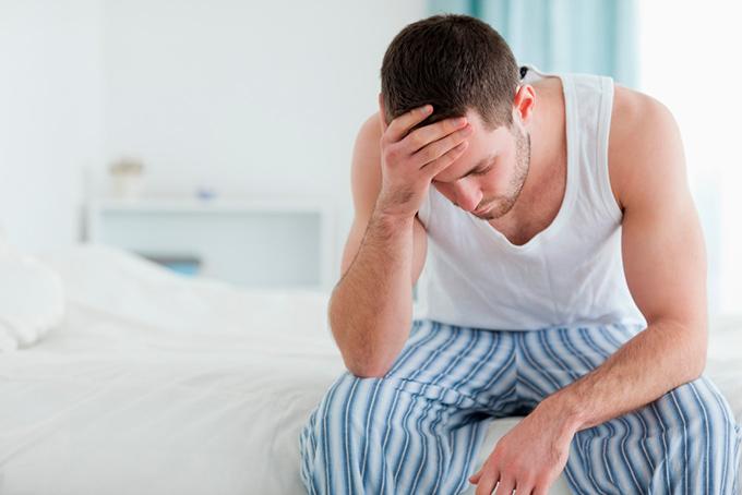 Rak yaichka simptomy