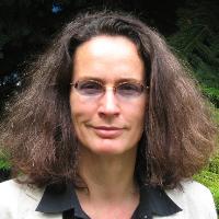 Андреа Денкер