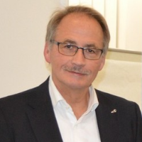 Вернер Хинрихс