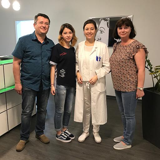 عيادة الجراحة التجميلية في كولونيا، مايو 2017